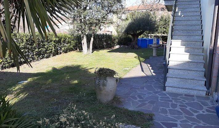 appartamento in villa a Calcinate