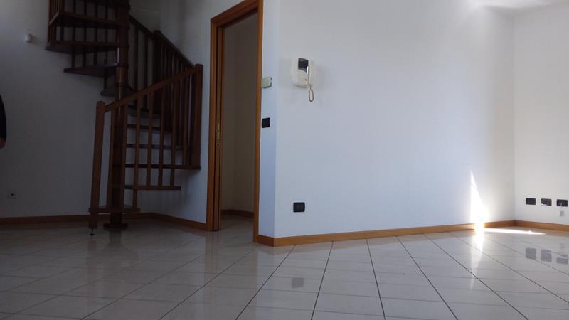 appartamento trilocale ghisalba