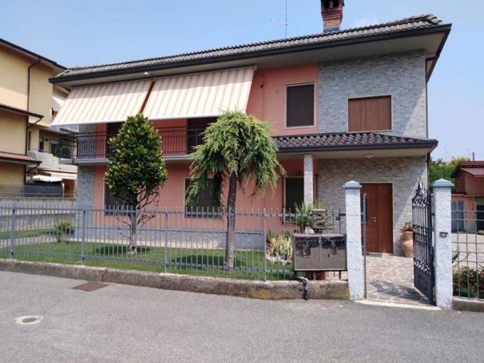 villa in vendita calcinate