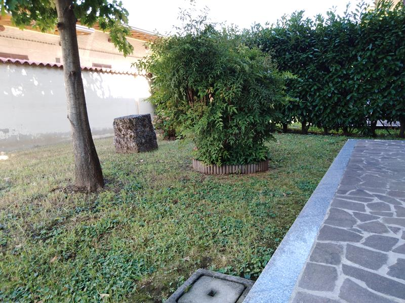 casa con giardino martinengo