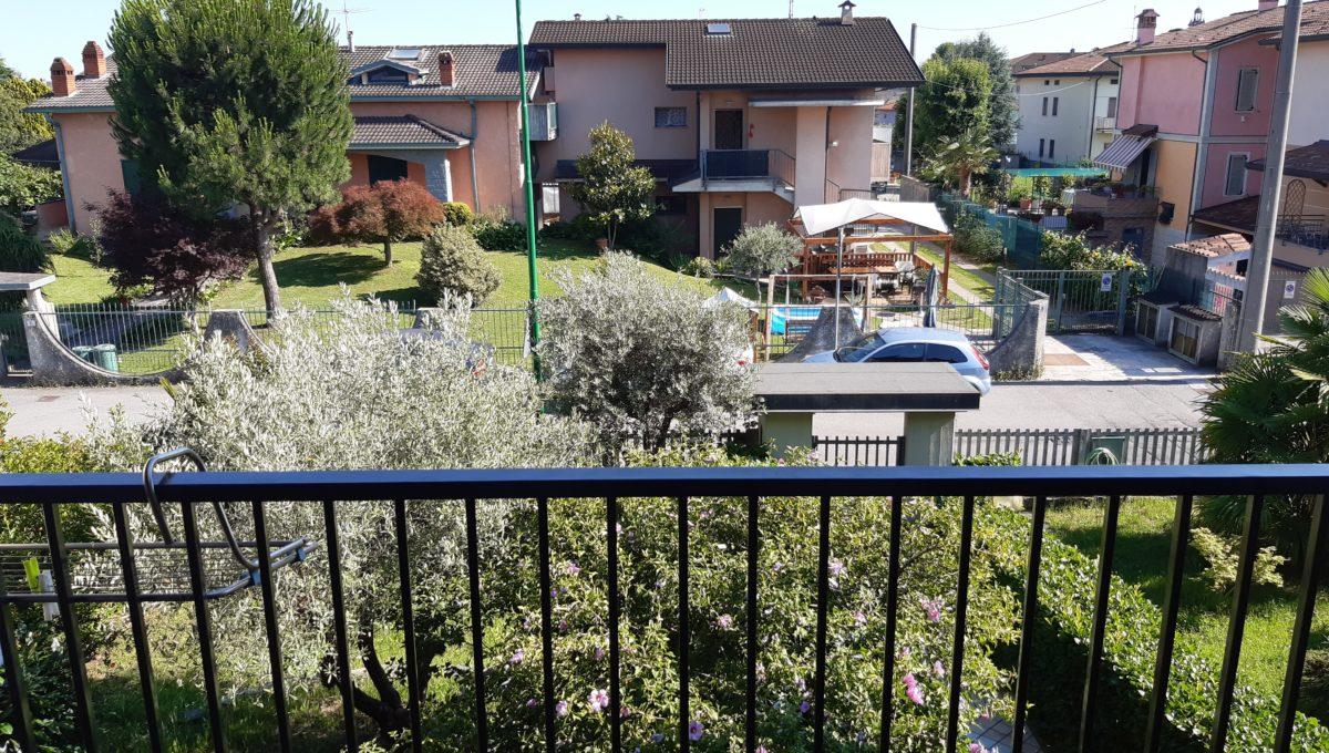 villa con giardino ghisalba
