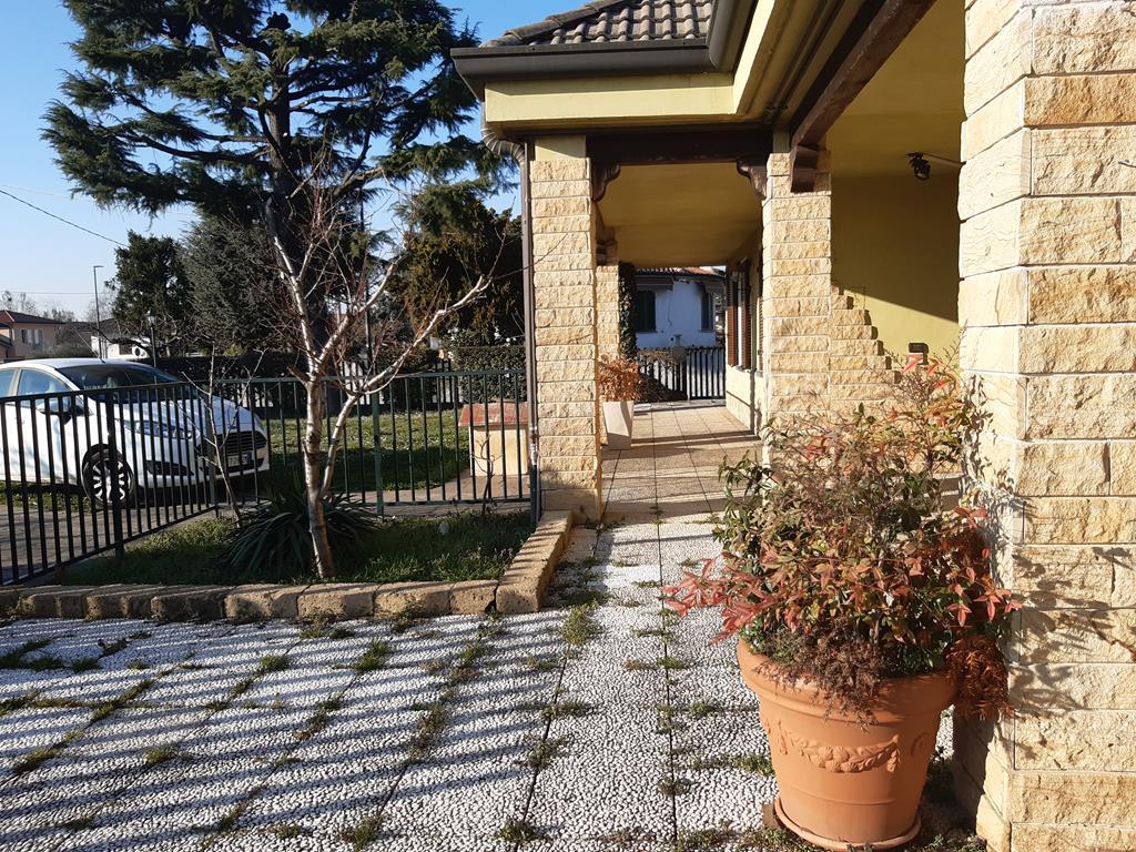 Villa a Mornico al Serio